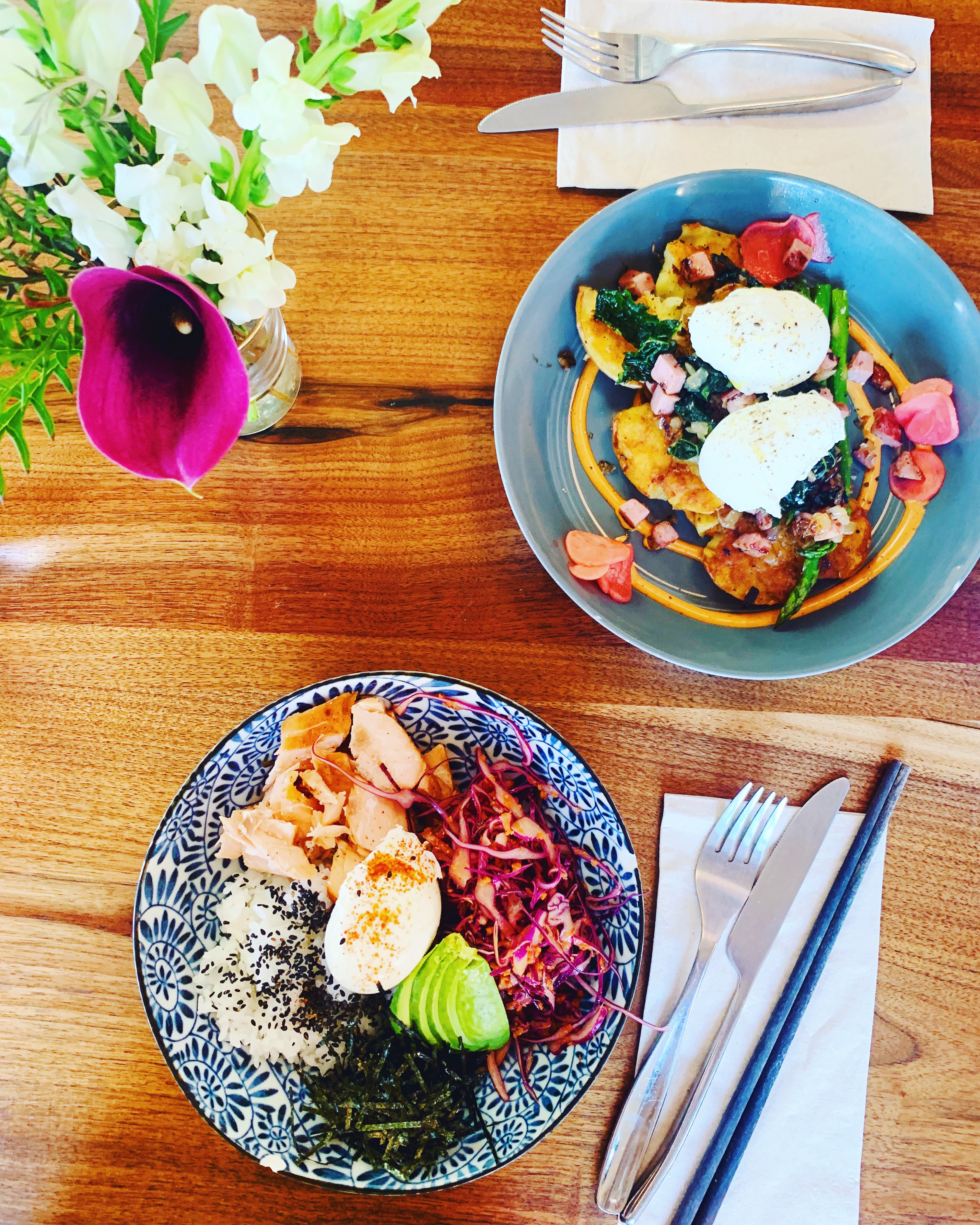 Stowaway Kitchen An Australian Style Cafe With A Colorful Menu